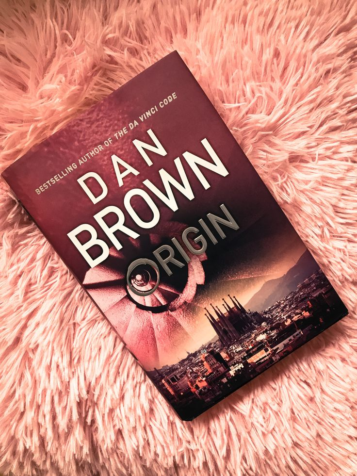Looking for a book so captivating that you can't put it down? if yes, then this is it! Let's discover Spain with Robert Langdon.