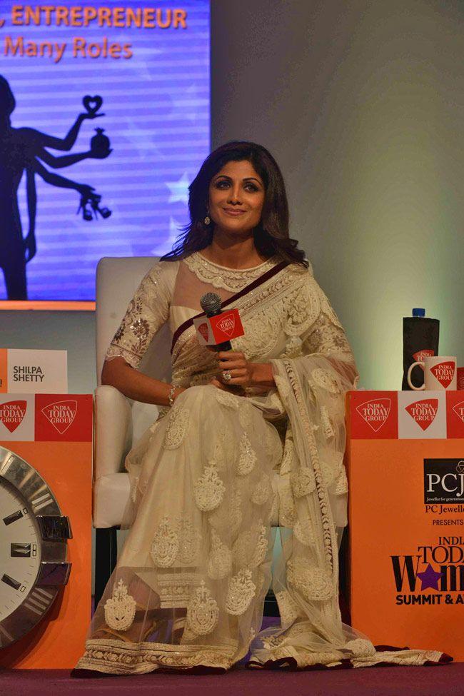 shilpa_shetty-in tarun thahiliani saree blouse