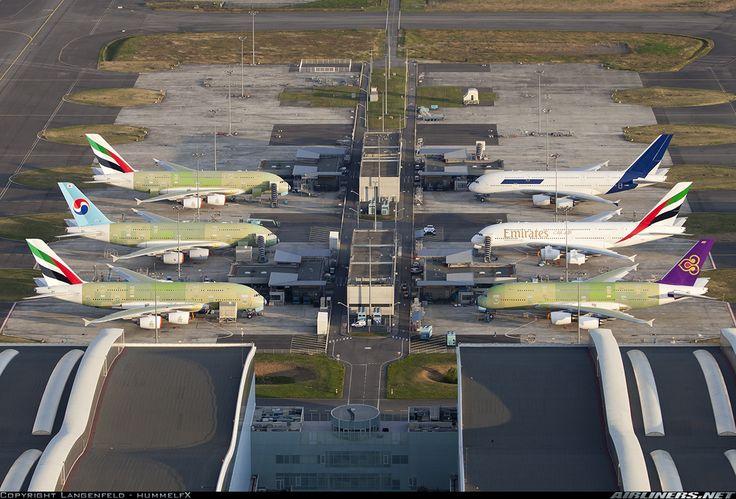 Toulouse, six A380's