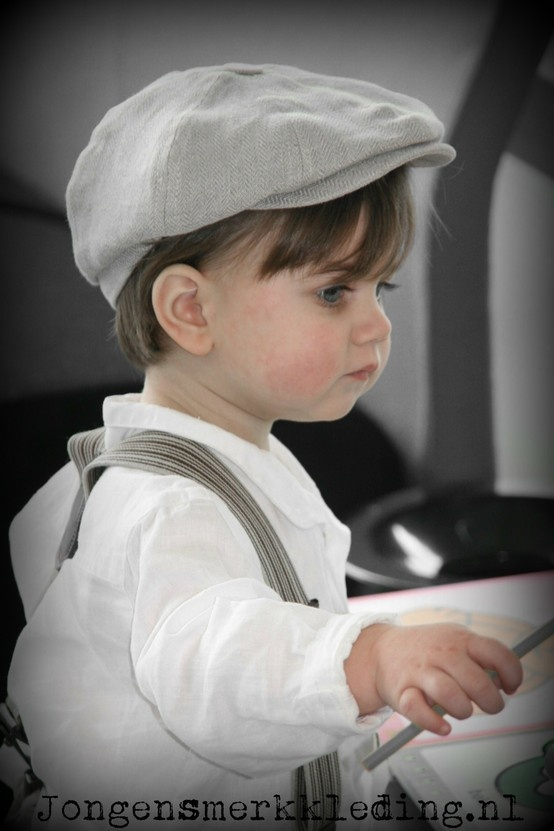 Little Linens & CTH Mini - nostalgische jongenskleding - vintage style linen clothing and flat caps for boys - wedding ring-bearer CTH Mini suspenders