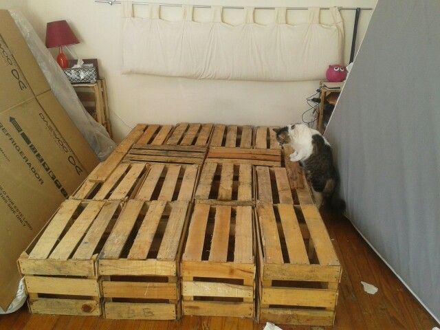 Te extra aremos base cama hecha de huacales recicla diy for Base de cama