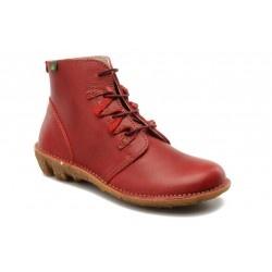Chaussure El naturalista avec lacets pour femme qui possède une hauteur de talon de 3 cm.    Cuir à tannage végétal, semelle en caoutchouc naturel. Fabrication au nord de l'Espagne.