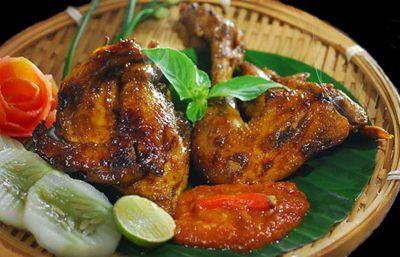Resep Ayam Bakar Bumbu Kecap Manis Dan Pedas. Pokoknya sangat enak sekali disantap dengan nasi putih.