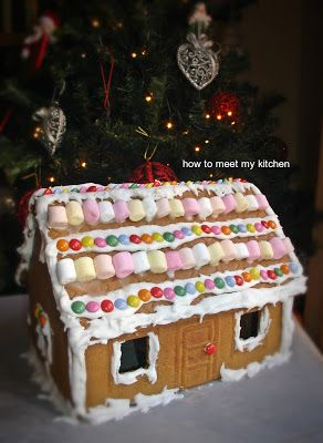 How To Meet My Kitchen: Gingerbread house