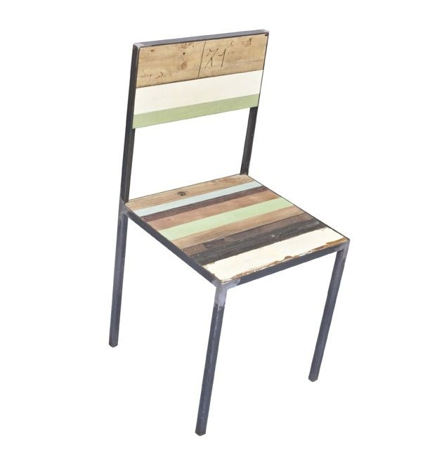 """Chairs at """"Lines"""" Chairs at """"Lines"""" available in various colors ideal for dining and entertainment room. For sale individually. Structure of iron tube with a square section with bevels to view. Seats and backs are made with natural and colorful laths of recycled wood. Finish with water-based paint matte or glossy. #artigianato #madeinitaly #sedia #chairs"""
