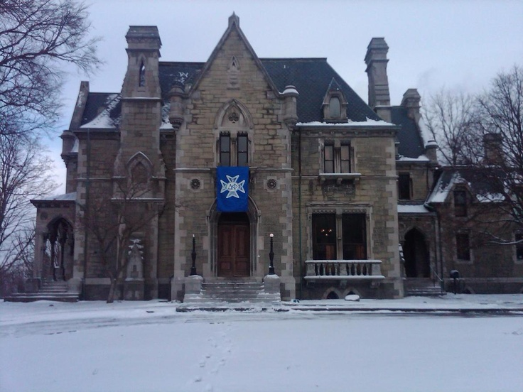 17 Best images about Fraternity Houses on Pinterest ...