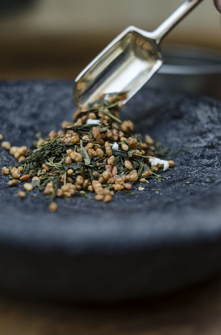 Japanese Genmaicha Tea | Enseres Bazar