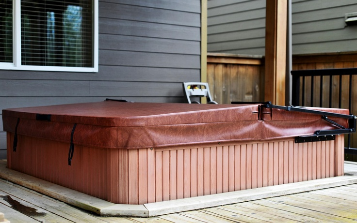 Jonathan make his Hot Tub pop with a new hot tub cover and lifter set up from The Cover Guy! www.thecoverguy.com