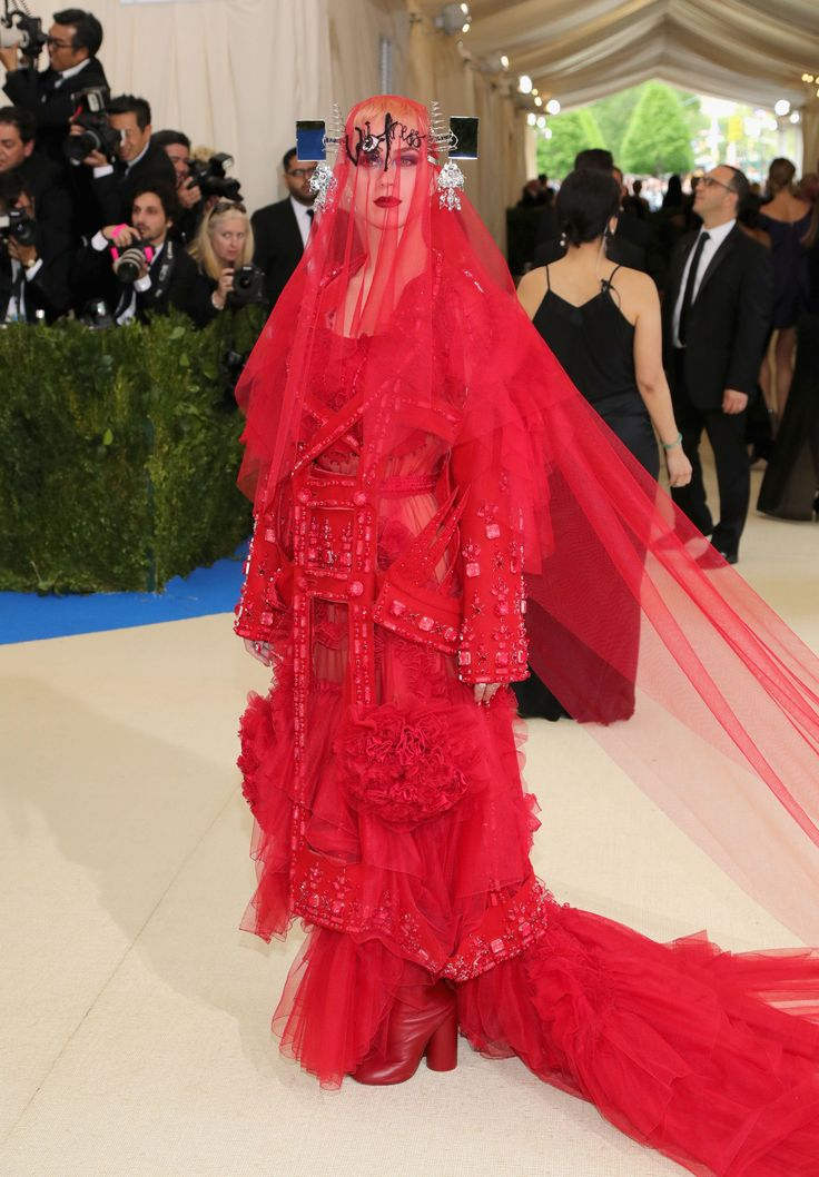 If you were tasked with paying homage to a designer as epic as Rei Kawakubo for the red carpet, do you think you'd be up for the challenge? The reclusive Japanese designer commands as much attention with her anti-celebrity persona as she does for the anti-fashion clothing that she creates, which