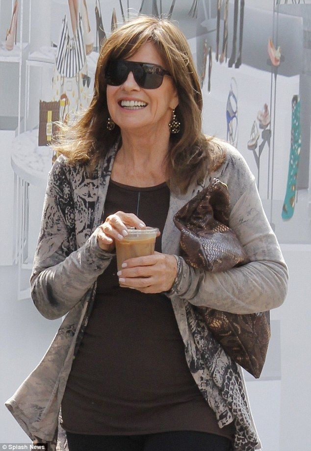 How Old Is Linda Gray | She's a Grandmother? 72-year-old Linda Gray steps out with her ...