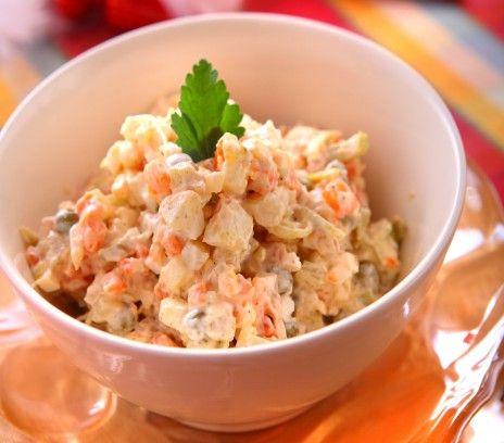 Tradycyjna sałatka jarzynowa z majonezem - Przepisy - Magda Gessler - Smaki Życia