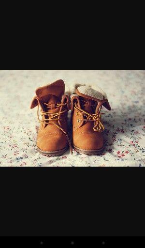 Kita adalah sepasang sepatu