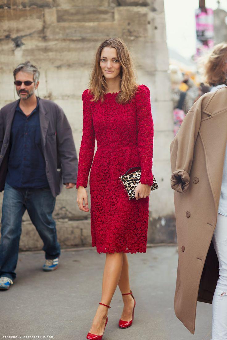 Me encanta este vestido rojo!