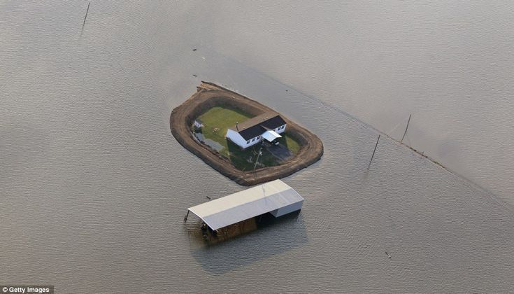 makeshift levees (Yazoo River, Vicksburg, Mississippi)