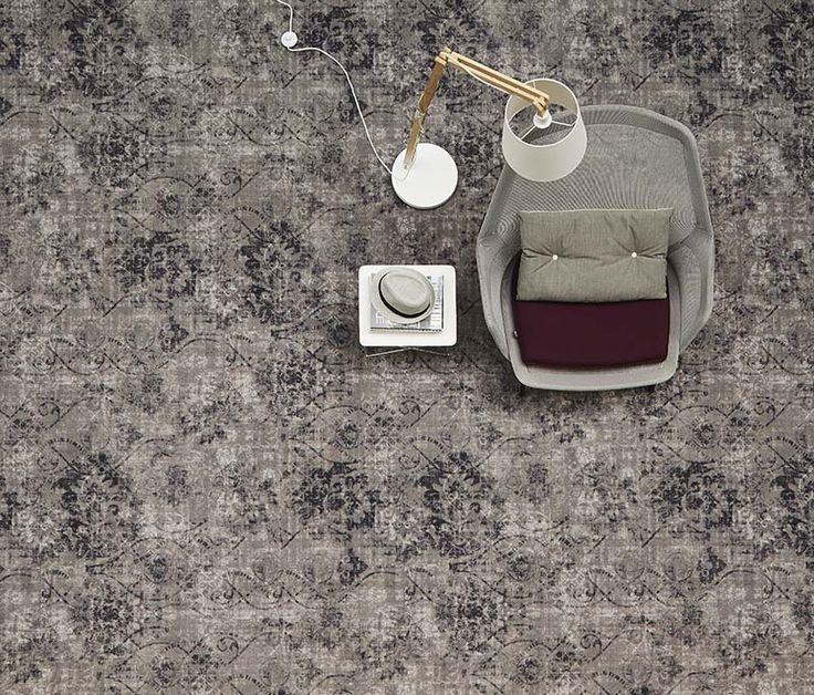 De kleur en textuur van verwassen #jeans en #beton zie je terug in deze Shades van #tapijtcollectie #Vintage.