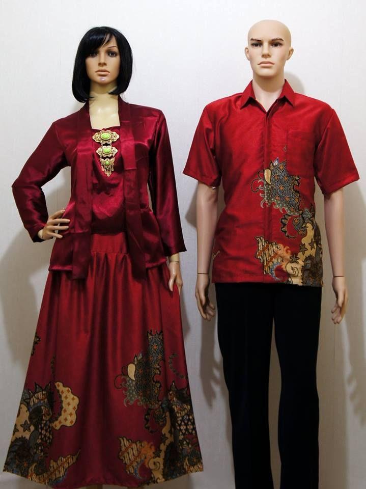 Kode : SGE 105 Merah Harga : 190.000 sepasang Sarimbit Kutubaru Eksklusif Bahan Satin Super dipadu Semisutra Ukuran : Cewek : LD maks : 100 cm, Panjang : 62 cm L pinggang : 96 cm, Panjang Rok : 92 cm Cowok : M, L, XL  Minat Order Bisa langsung Sms / W.A : 0856.4353.6660 Pin BBM : 56A6C7E0  #batik #gamis #couple #fashion #sarimbit #indonesia #Jogja