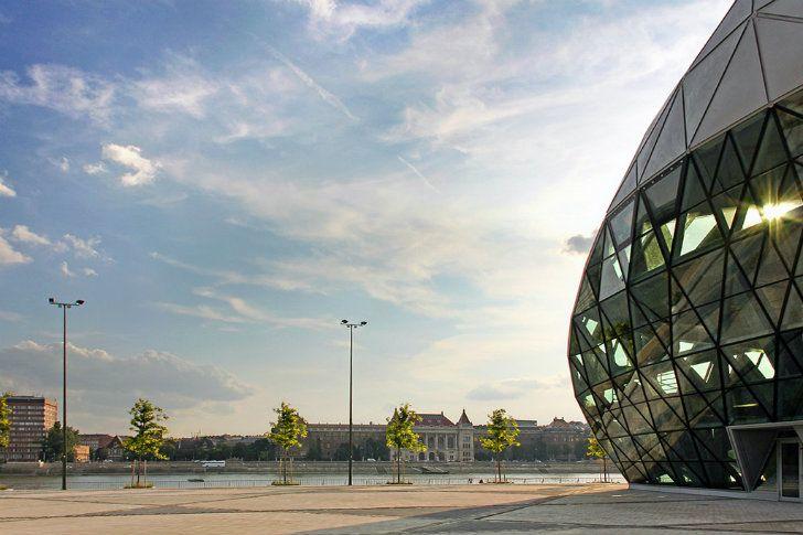 CET-Building-ONL-3.jpg 728×485 pixels