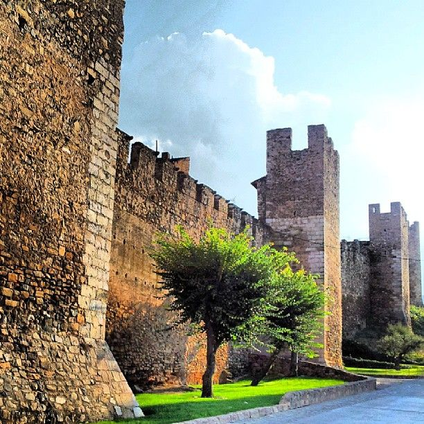 By Jordirmn's #montblancmedieval #Tarragona #Montblanc #Catalunya #Cataluña #Catalonia #Catalogne #turisme #tourisme #turismo #tourism #trip #travel #viatjar #viatge #viajar #viaje #muralla #Muraille #Citywall  #cultura #patrimoni #heritage #medieval