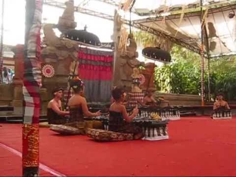 "Family Group Selonding Performance at Bali Art Festival 2014 - Gede Semara's (6 yeras old) composition ""Puncak Ting"""