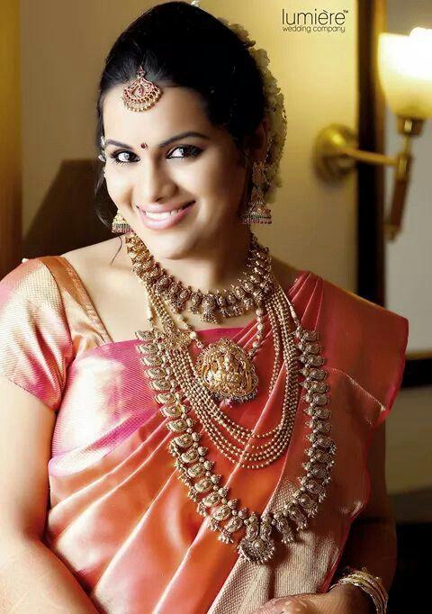 South Indian bride. Kanchipuram sari. Silk sari.