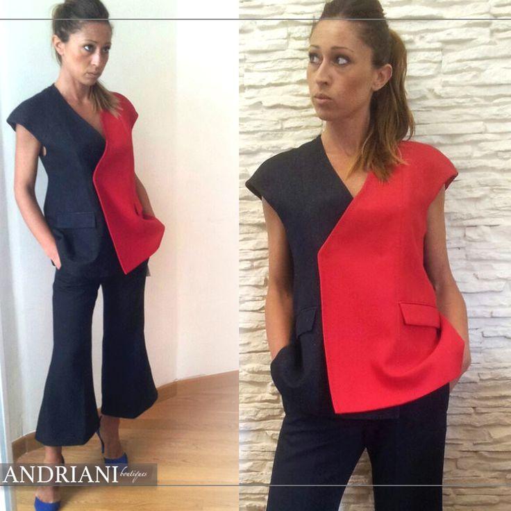 La raffinatezza del #blu e il tocco più incisivo del #rosso si si incontrano in questo #totalook Dondup. Pantalone e gilet #bicolor per vestire #donne grintose. Scopri di più nella nostra #boutique!  www.andrianistore.it  #andriani #store
