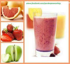 JUGO PARA ADELGAZAR: Ingredientes: • Media taza de fresas • Una pera • Una manzana • El zumo de una naranja • El zumo de una toronja • El zumo de un limón • Dos cucharadas de salvado de avena Dos cucharadas de harina de linaza