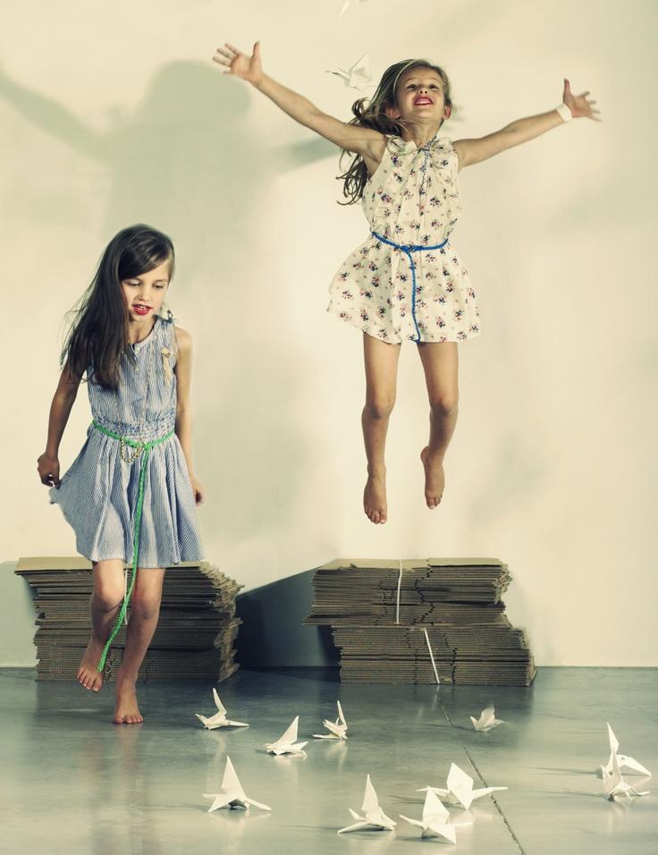 ازياء اطفال شتاء 2013الرقة والبراءة مع ملابس اطفال 2012 في