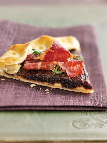 Prosciutto and Fig Crostata, made with prepared piecrust #recipes #appetizers