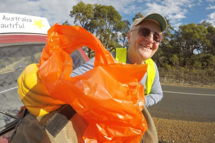 72-year-old Michael Filby has picked up tonnes of rubbish along the highway. (ABC News: Mark Bennett)