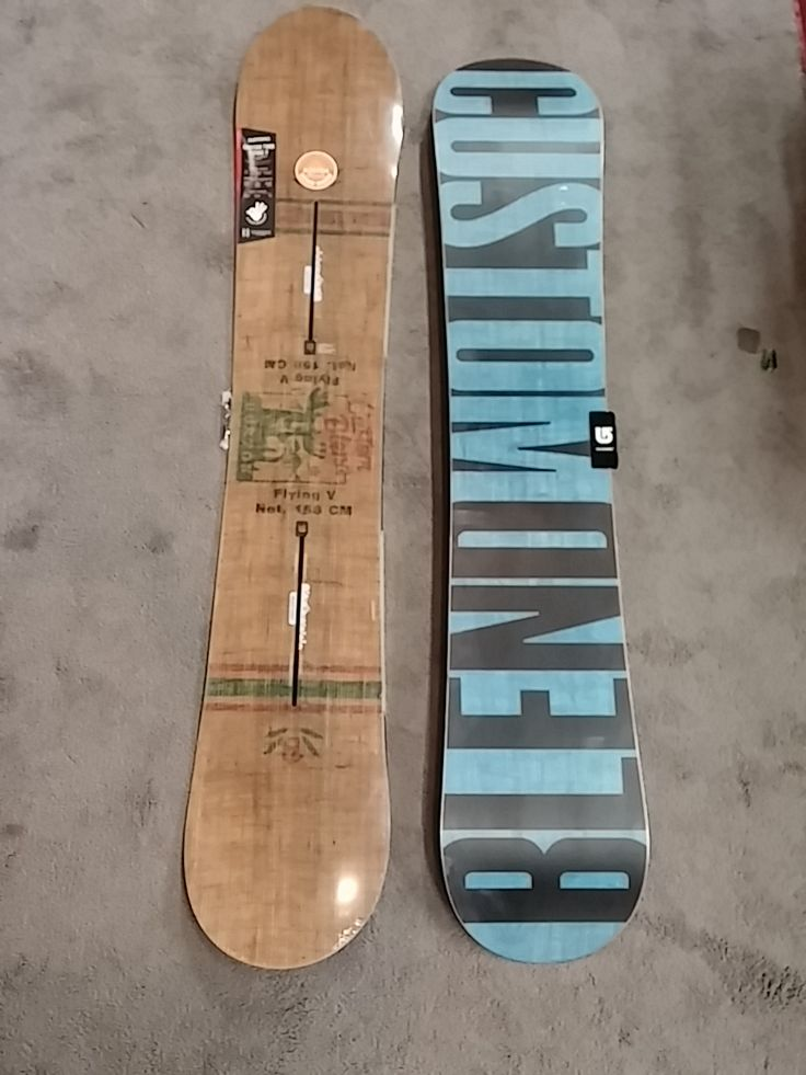 Burton Custom. Twin flying V. Has the channel bindings, but they cant work for any other binding you want to put on it. Size's start at 151, 154, 156, 158, 160 and they come in 158 wide and 162 wide. https://boardmartredding.com/xcart/Burton-Support-Local-Custom-Twin-Flying-V-Mens-Snowboard-2015.html