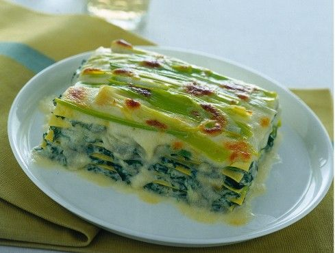 Benvenuto nella pagina di Sale&Pepe con le 10 migliori ricette delle lasagne alle verdure. All'interno di questa pagina troverai la selezione delle top ricette di lasagne alle verdure.