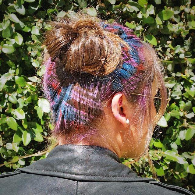 #HairStencil on #TopKnots  #hair #stenciledhair #janinekerhair #colorfulhair #creativehair #americansalon #behindthechair #modernsalon #stencil #hairfashion #instahair #hairofinstagram #hairbun #topknot #fashion #hairnerd #hairbrained (using @joico #instatint)