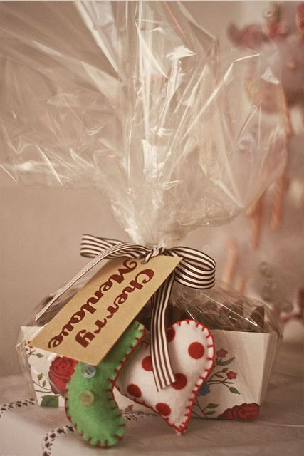 Cookie Christmas box with felt decorations as tags