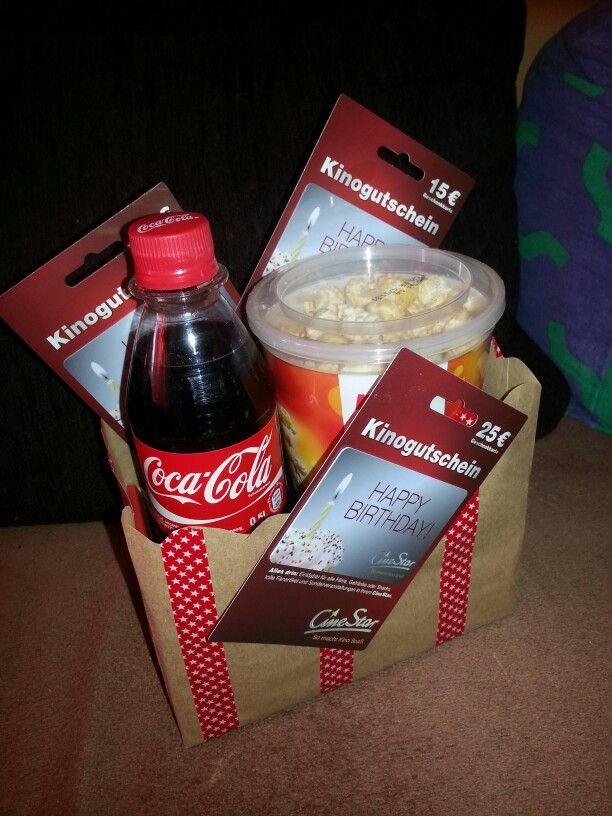 Kinogutschein oder Einladung zum gemeinsamen Kinoabend
