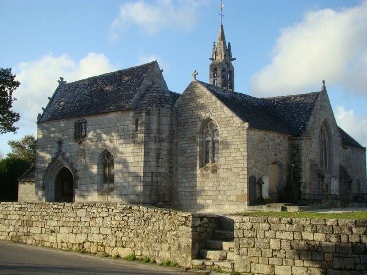 Eglise de Clohars- Fouesnant, Finistère ,église fortifiée datant du XVI eme siècle