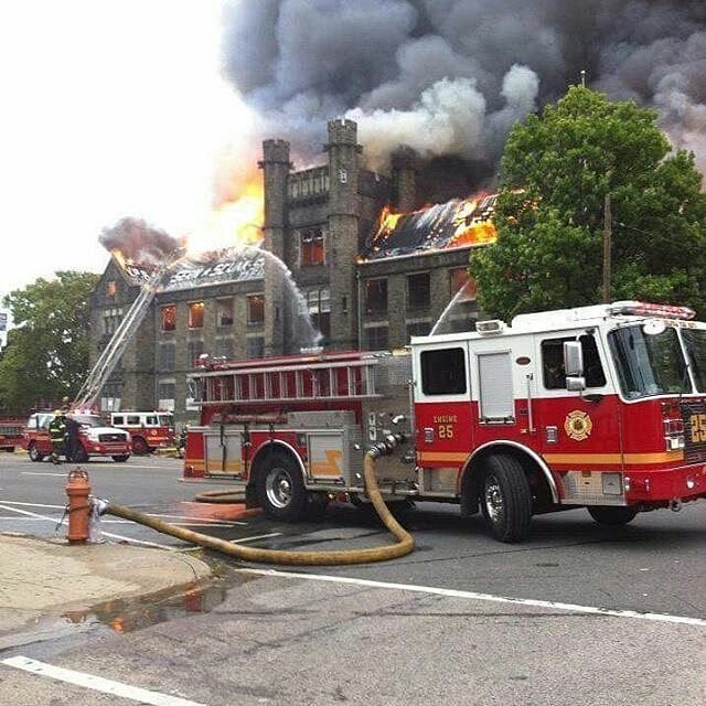 FEATURED POST  @phillytruck12 -  4-alarms  @ 8th & Lehigh ave  a few yrs ago  old Edison High school. . . TAG A FRIEND! http://ift.tt/2aftxS9 . Facebook- chiefmiller1 Periscope -chief_miller Tumbr- chief-miller Twitter - chief_miller YouTube- chief miller  Use #chiefmiller in your post! .  #firetruck #firedepartment #fireman #firefighters #ems #kcco  #flashover #firefighting #paramedic #firehouse #firstresponders #firedept  #feuerwehr #crossfit  #brandweer #pompier #medic #firerescue…