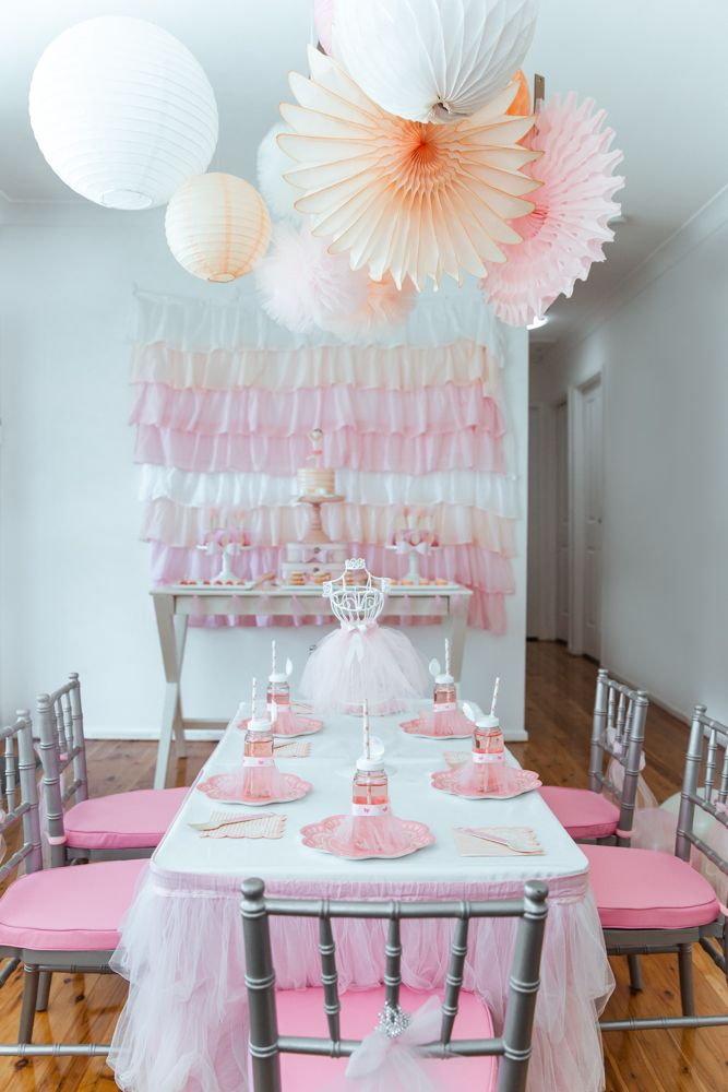 Best 25 ballerina party supplies ideas on pinterest for Ballerina party decoration ideas