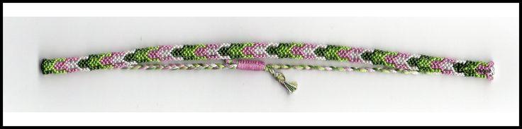 Elfée des bracelets 8d2b1f673dc89043bd5f652fbb597f46