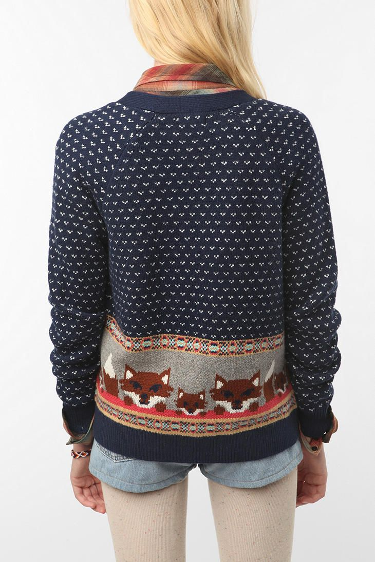 Fox sweater! GOD DAMN, Urban Outfitters, why do you tempt me so when politically I feel reluctant to shop at you?
