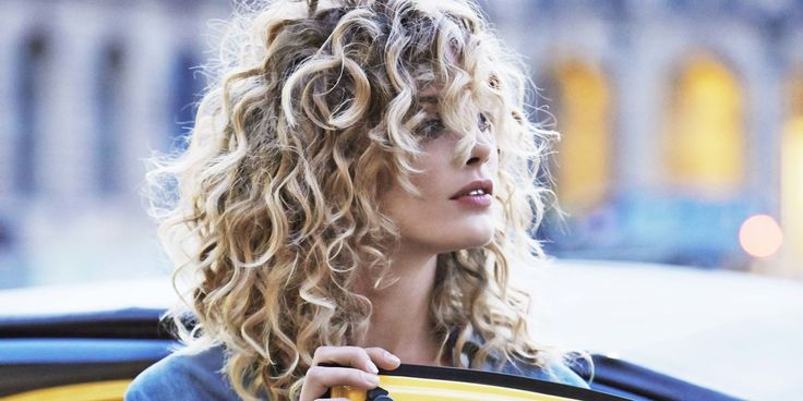 Tutto quello che devi sapere sui nuovi capelli ricci - CosmopolitanIT