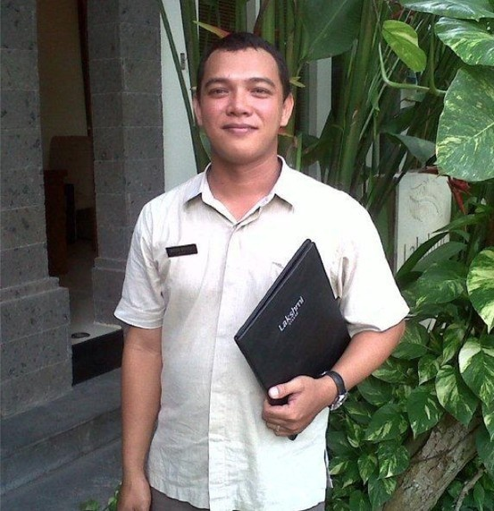 Agus, Villa Manager at Lakshmi Villas and always ready to welcome you with a great big smile
