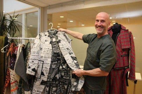 Walter Heidkamp med egen kleskolleksjon. Når han syr, er frakk favorittplagget.