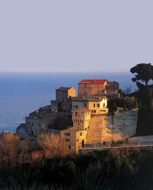 Grottammare - Marche - Italy . Old castle's ruins #grottammare #discovermarche #ebanarte