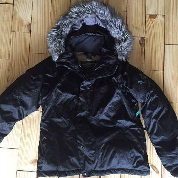 Bonfire snowboard jacket with fur This jacket is built very well!!!! Has everything you need to board! They don't sell this style any more! Rare! Better than perfect condition! Want it but don't want to pay? Ask me to check out your closet for a trade! Bonfire Jackets & Coats Utility Jackets