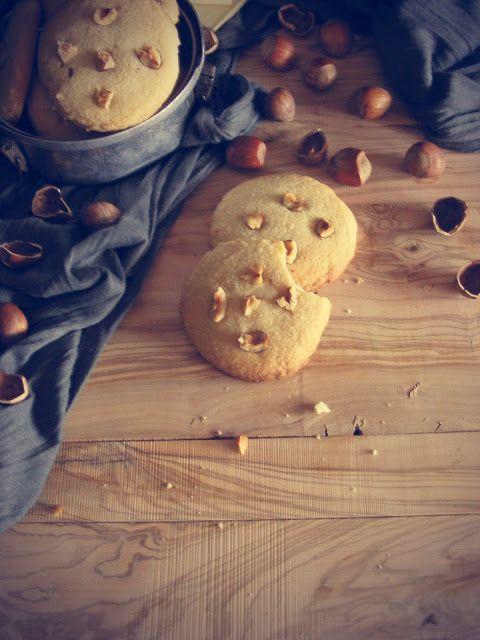 La asaltante de dulces: Receta de galletas de chocolate blanco y avellana/ White chocolate & huzelnut cookies. Yummmy!