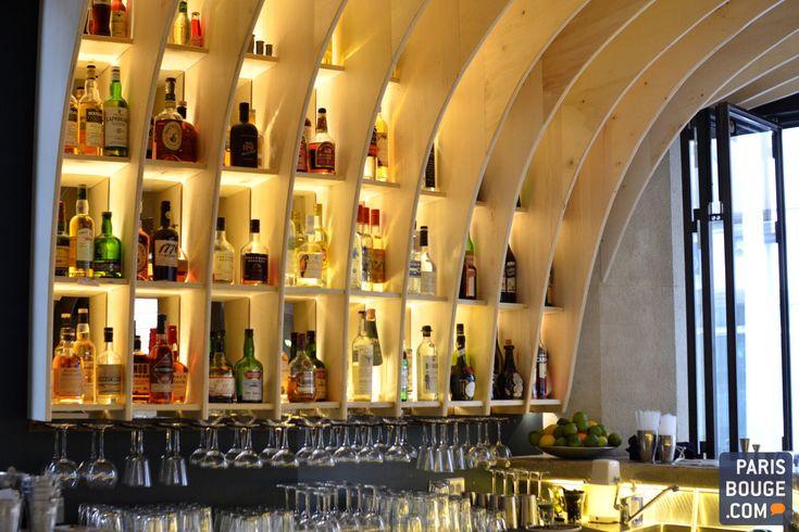 Des bars à cocktails, ce n'est pas vraiment ce qui manque à Paris. Les ouvertures s'enchaînent tous les mois et les nouveaux concepts avec. Et puis, il y a LE bar. Celui qui n'est pas comme les autres. Bienvenue chez Gravity Bar.