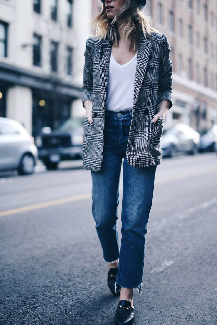 Boyfriend blazer, vintage denim with raw hem, Gucci slides #streetstyle | The August Diaries
