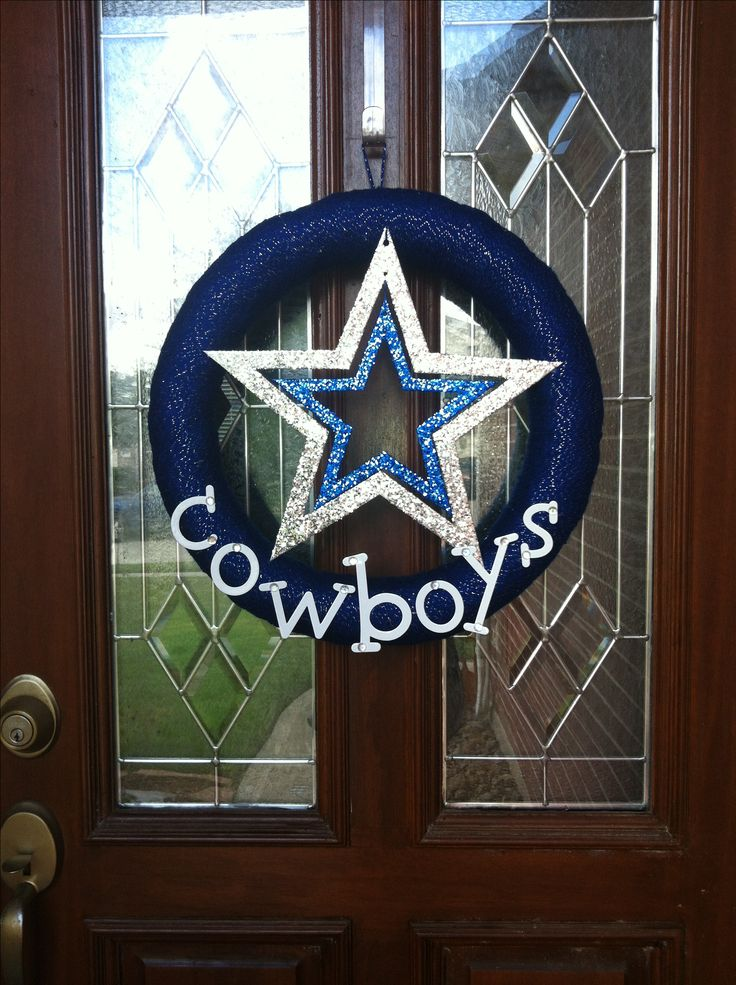 Dallas Cowboys yarn wreath #diy  Need to remember to make a St. Louis Cardinals one
