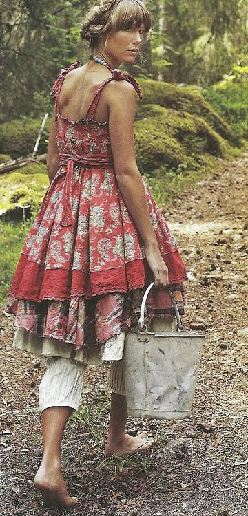 ZsaZsa Bellagio: Country Charm, Red & Blue: Country Charms, Rustic Bohemian Fashion, Layered Looks, Zsa Zsa Bellagio, Land Girls, Country Girls, The Dress, Bohemian Style, Inspiration Lane