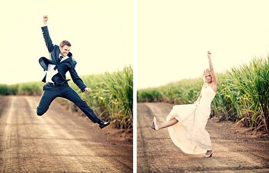 Awesome wedding picture idea :)
